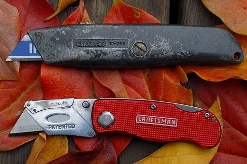 Stanley-10-099-vs-craftsman-folding-utility-knife.jpg